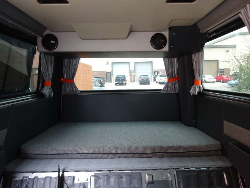 vw vanagon weekender custom interiors gallery custom vanagon interior sewfine interior products. Black Bedroom Furniture Sets. Home Design Ideas